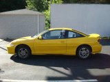 2002 Yellow Chevrolet Cavalier LS Sport Coupe #14164922