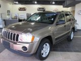 2006 Light Khaki Metallic Jeep Grand Cherokee Laredo #14364013
