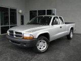 2004 Bright Silver Metallic Dodge Dakota SXT Club Cab #14633996
