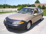 2001 Medium Gold Saturn L Series L200 Sedan #15506503