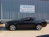 2006 Black Ford Mustang GT Deluxe Coupe #16032902