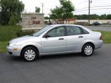 2005 CD Silver Metallic Ford Focus ZX4 S Sedan #16029816