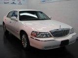 2004 Vibrant White Lincoln Town Car Signature #16110866