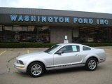 2005 Satin Silver Metallic Ford Mustang V6 Deluxe Coupe #16274352