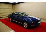 2006 Vista Blue Metallic Ford Mustang V6 Deluxe Coupe #16449322