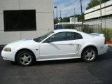 2000 Crystal White Ford Mustang GT Coupe #16553260