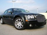 2005 Brilliant Black Crystal Pearl Chrysler 300 C HEMI #16894569