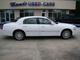 2004 Vibrant White Lincoln Town Car Ultimate #18699417