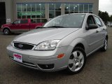 2005 CD Silver Metallic Ford Focus ZX5 SES Hatchback #18785030