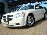 2005 Cool Vanilla White Dodge Magnum R/T #18998390