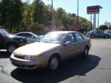 2001 Medium Gold Saturn L Series L200 Sedan #19150369