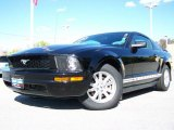 2006 Black Ford Mustang V6 Deluxe Coupe #19207708