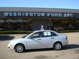 2005 CD Silver Metallic Ford Focus ZX4 SE Sedan #20139715