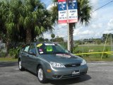 2005 Light Tundra Metallic Ford Focus ZX5 SE Hatchback #20297575
