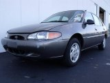 2001 Mineral Gray Metallic Ford Escort SE Sedan #20911722