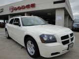 2005 Cool Vanilla White Dodge Magnum SXT #22328892