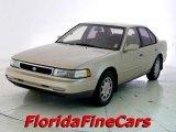 1993 Nissan Maxima SE Data, Info and Specs