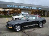 2005 Black Ford Mustang V6 Deluxe Coupe #22985311