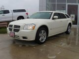 2005 Cool Vanilla White Dodge Magnum SXT AWD #23761681