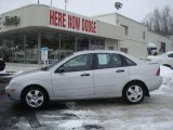 2005 CD Silver Metallic Ford Focus ZX4 SES Sedan #24493250