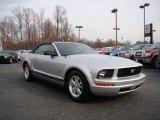 2009 Brilliant Silver Metallic Ford Mustang V6 Convertible #24874875