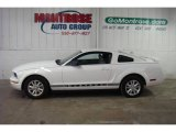 2006 Performance White Ford Mustang V6 Deluxe Coupe #25146329