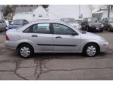 2003 CD Silver Metallic Ford Focus LX Sedan #25247970