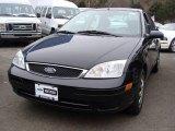 2005 Pitch Black Ford Focus ZX4 SE Sedan #25401166