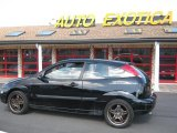 2003 Pitch Black Ford Focus ZX3 Coupe #25793041