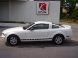 2005 Performance White Ford Mustang V6 Deluxe Coupe #25792925