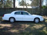 2006 Vibrant White Lincoln Town Car Signature #26744079