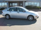 2005 CD Silver Metallic Ford Focus ZX4 SE Sedan #27113581