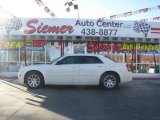 2005 Cool Vanilla Chrysler 300  #2724963