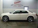 2005 Cool Vanilla Chrysler 300  #27325010
