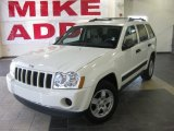 2006 Stone White Jeep Grand Cherokee Laredo #27993308