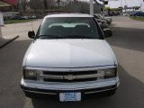 1996 Summit White Chevrolet S10 LS Extended Cab #28092783