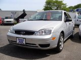 2005 CD Silver Metallic Ford Focus ZX4 SE Sedan #29831838