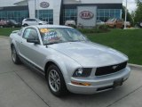 2005 Satin Silver Metallic Ford Mustang V6 Premium Coupe #30036954