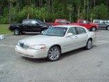 2004 Ceramic White Tri-Coat Lincoln Town Car Ultimate #30330814