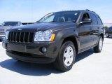 2006 Dark Khaki Pearl Jeep Grand Cherokee Laredo 4x4 #30367940