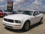 2005 Performance White Ford Mustang V6 Deluxe Coupe #30424481