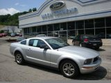 2005 Satin Silver Metallic Ford Mustang V6 Deluxe Coupe #30816352