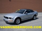 2007 Satin Silver Metallic Ford Mustang V6 Deluxe Convertible #31204090