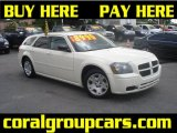 2005 Cool Vanilla White Dodge Magnum SE #31332345