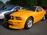 2007 Grabber Orange Ford Mustang V6 Deluxe Coupe #31420077