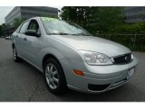 2005 CD Silver Metallic Ford Focus ZX4 SE Sedan #31791162