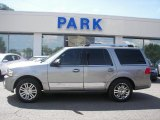 2008 Vapor Silver Metallic Lincoln Navigator Luxury 4x4 #31851119