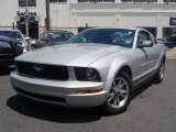 2005 Satin Silver Metallic Ford Mustang V6 Deluxe Coupe #32098882