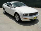 2006 Performance White Ford Mustang V6 Deluxe Coupe #32682426