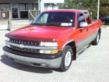 Victory Red Chevrolet Silverado 1500 in 2002